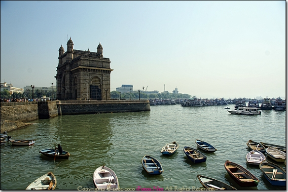 Mumbai waterside scene with many boats